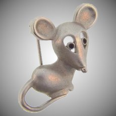 Cute small figural mouse lapel pin