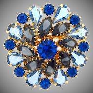 Lovely pin wheel design Brooch in shades of blue