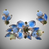 Lovely blue/green rhinestone Brooch with matching clip on earrings