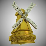 Vintage 1940's windmill Brooch with spinning blades