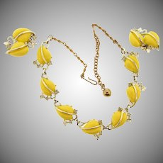 Vintage 1950's thermoset choker Necklace and matching clip back Earrings in light yellow
