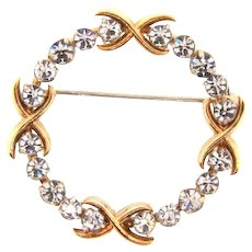 Small vintage circular Brooch with crystal rhinestones
