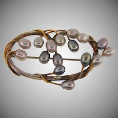 Vintage Brooch with gray fresh water pearls