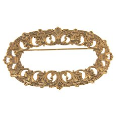 Lovely gold tone baroque style oval Brooch/Scarf Pin
