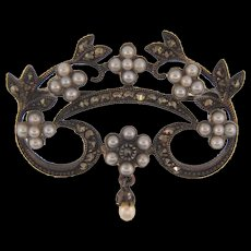 Marked 925 silver petite Brooch with seed pearls and marcasites