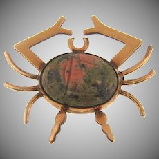 Vintage 1/20 12 kt gold filled WRE figural scatter pin of a crab with a jasper scarab stone