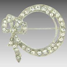Vintage bow shaped crystal rhinestone Brooch