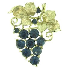 Signed Lisner figural Brooch of a grape cluster with rhinestones