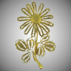 Vintage filigree gold tone daisy Brooch