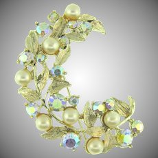 Signed Kramer rhinestone Brooch with AB rhinestones and imitation pearls