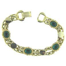 Signed pegasus Coro des. pat. pend.  double chain link Bracelet with emerald green cabochons