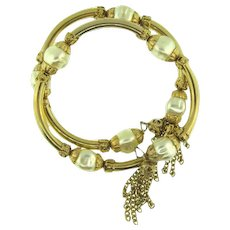 Vintage memory wire Bracelet with imitation baroque pearls and tassels