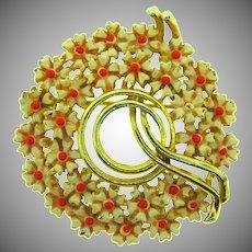 Vintage floral circular gold tone Brooch