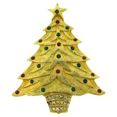 Vintage figural Christmas tree Brooch with red, green and crystal rhinestones