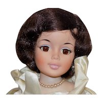 """Vintage 1961 Madame Alexander Jacqueline Kennedy 21"""" Doll - #2210 Inaugural Ball Gown"""