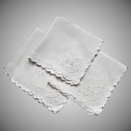 Four Vintage Embroidered White Linen Napkins Basket Bow