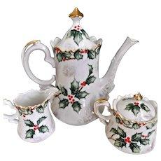 Lefton Vintage Coffee Tea Pot Sugar Creamer Christmas Holly Berries