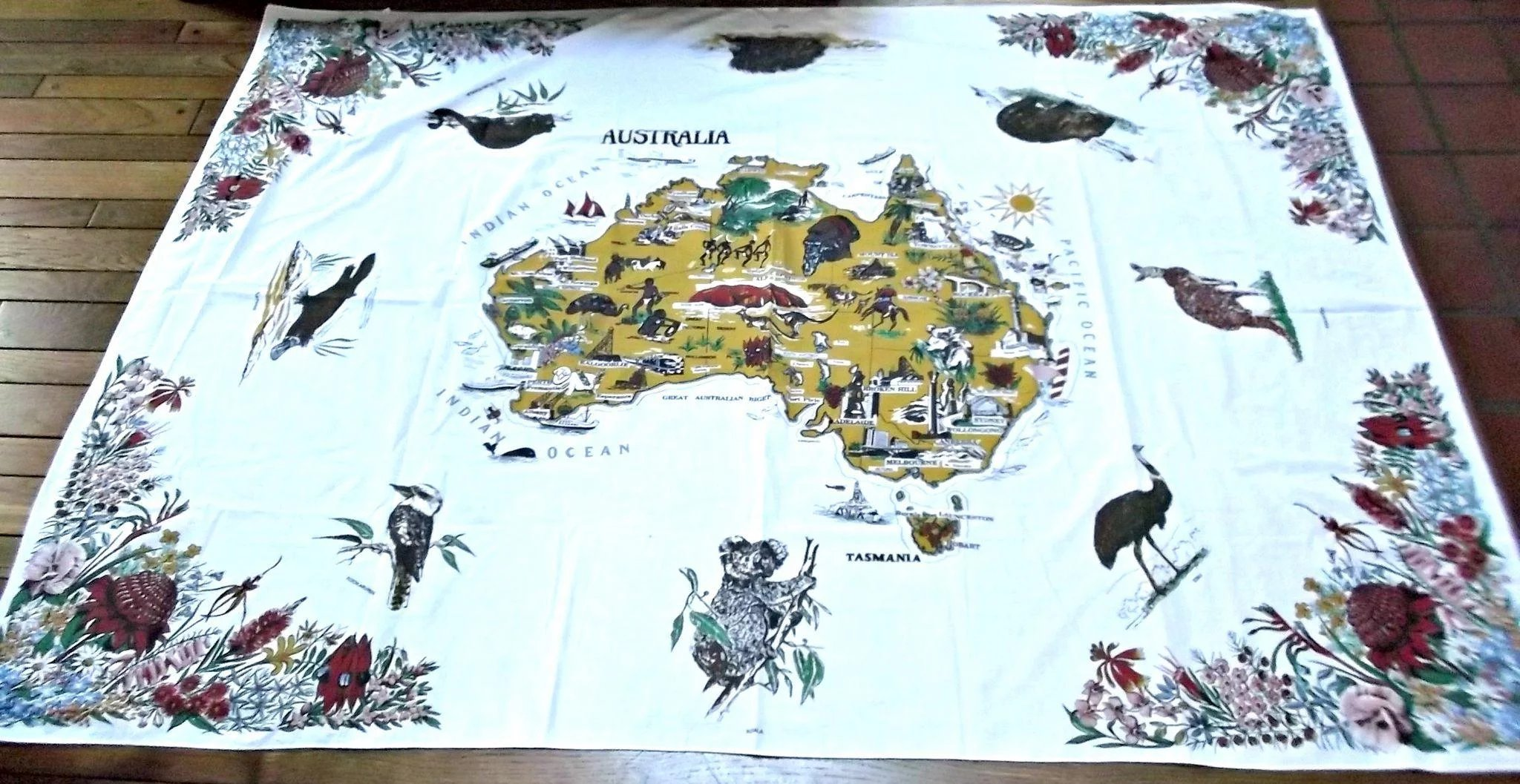Vintage australia map table cloth polyester cotton rectangle vintage australia map table cloth polyester cotton rectangle click to expand gumiabroncs Choice Image