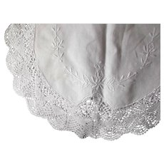 White Vintage Cotton Linen Runner Table Dresser Embroidery Lace Crochet