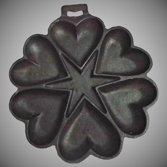 Vintage Cast Iron Hearts Star Cornbread Mold / Pan Country Decor