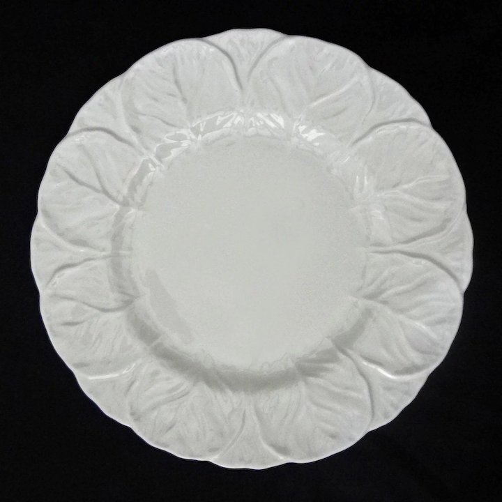 Coalport Wedgwood Countryware White Embossed Leaves Dinnerware Set 5x8 (40 pieces) - 20th Century & Coalport Wedgwood Countryware White Embossed Leaves Dinnerware Set ...