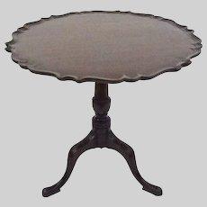 Antique Pie Crust Border Tilt-top Tea Table Mahogany Americana - c. 19th Century, USA
