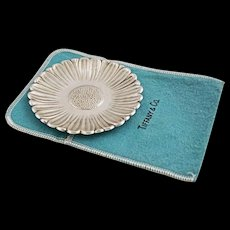 Tiffany & Co. Sterling Silver Daisy Dish - 20th Century, USA