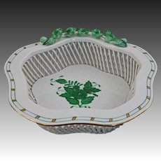 Herend Hungary Signed Chinese Bouquet Pattern Green Bon Bon Open Work Basket Bowl, 7384 - 20th Century, Hungary