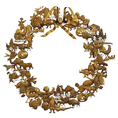 """Large 16"""" Petit Choses Dresden Brass All Season Holiday Wreath"""