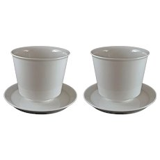 Pair German KPM Modern Porcelain Cache Pot / Planter /Jardiniere White with Under Plates Medium Size - 20th Century, Germany