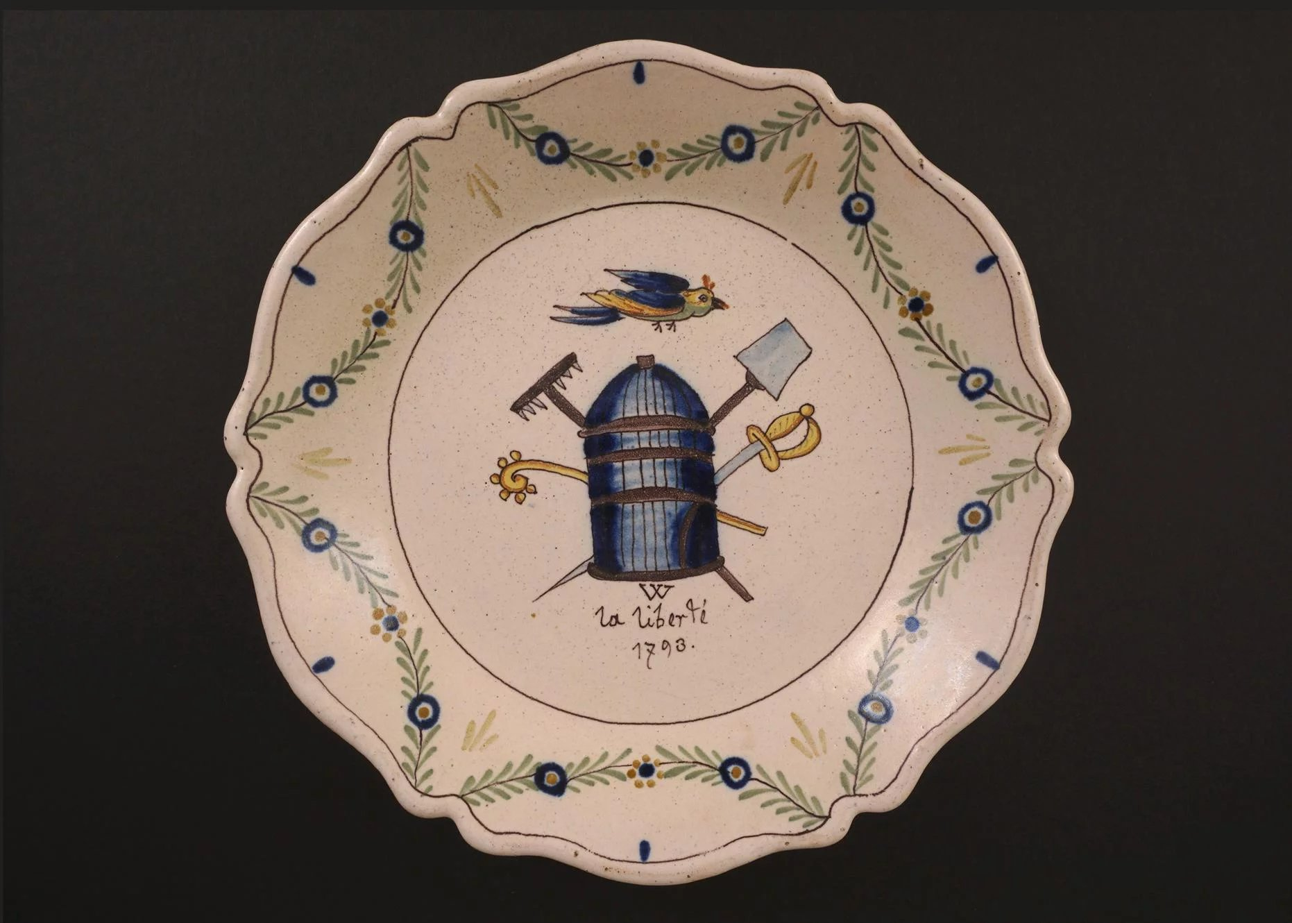 French revolution decor faience plate la liberte 1793 for Decoration faience