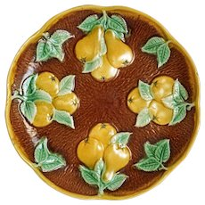 Minton Majolica Pear Plate Yellow Green Brown Bark Scalloped Border Date Cypher 1934 - England