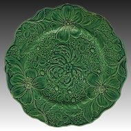 Arts & Crafts Green Leaf Majolica Plate Floral Scalloped Border Strawberries - 19th Century, England