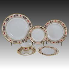 Derby Border 24 Piece Set (6x4) Royal Crown Derby Porcelain - circa 1980's, England