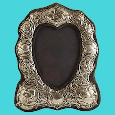 Repousse English Hallmarked Sterling Silver Heart Shaped Picture Frame with Cherubs / Cupids - 20th Century, England