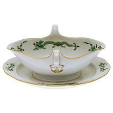 Meissen Rich Court Dragon Green Gravy Sauce Boat with Attached Underplate - 20th Century, Germany