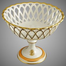 Old Paris Reticulated Compote / Tazza / Footed Bowl / Corbeille White Gilt Porcelain Round Circular Peach Monogram