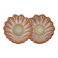 Pair 18th C Famille Rose Chinese Export Shell Shaped Dishes Qianlong period Elinor Gordon label - 1736-1795, China