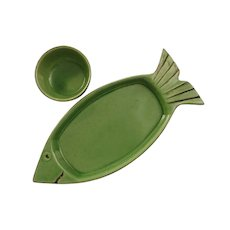 French Faience Appetizer Tray and Bowl Fish Shape Green Terre e Provence - 20th Century, France