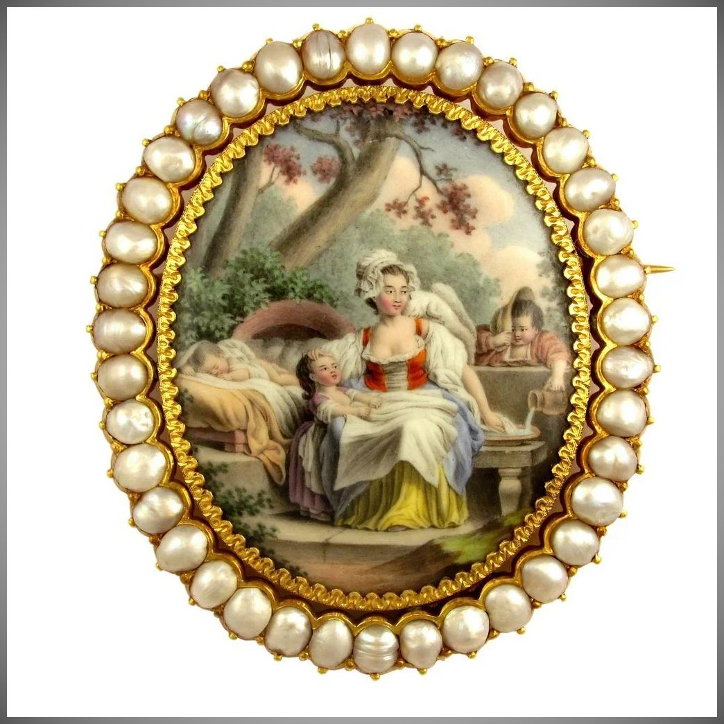 Antique French 18k Yellow Gold Baroque Pearls Brooch