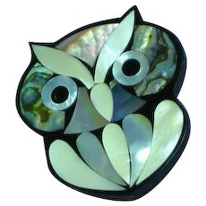 Black Plastic Inlay Iridescent Mother of Pearl Abalone Owl Figural Pin Brooch