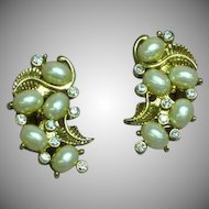 Vintage Fabulous Simulated Pearl and Rhinestone Clip Earrings