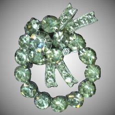 Eisenberg Ice Signed Bright Beautiful Wreath Brooch Pin