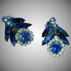 Vintage Juliana D&E Blue Crystal  Rhinestone Rhodium Plate Clip Earrings