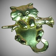 Cat Kitty 'Hanging In' Pin Brooch