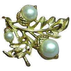 Avon Oak Leaf with Faux Pearl Acorns Pin Brooch Pendant