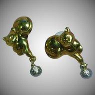 Cat Kitty Dangling Yarn Ball Figural Pierced Earrings