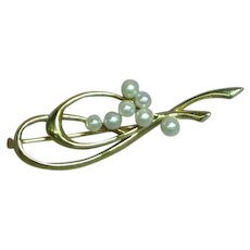 Vintage Dainty 14 Karat Yellow Gold Cultured Pearl Pin Brooch