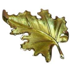 Crown Trifari Elegant Gold Tone Realistic Large Leaf Pin Brooch