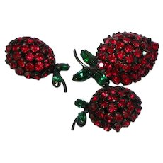 Warner Signed Red Rhinestone Strawberries Pin Brooch Clip Earring Set Demi Parure